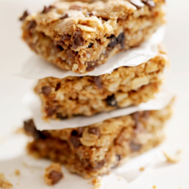High Protein Vegan Snack Bars    If you are looking to reduce or eliminate altogether your meat and dairy product consumption, you need to ensure you get enough protein in your diet. These delicious snack bars are not only high in all plant based protein and totally vegan but also are super easy to make and don't require baking.   Click the link in our bio to get the recipe and learn more about Ellactiva®, the only supplement that uniquely combines superior Bioactive Collagen Peptides® with prebiotic fibre, vitamins and minerals in a delicious soft chew.Enjoy!